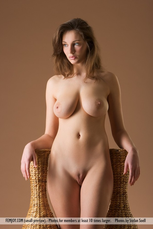 woman nude photo